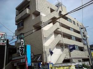 東京都の店舗付き一棟売りマンション