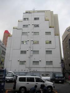 王子駅近隣売りビル‐駐車場が隣の物件(東京都の城北エリア投資用不動産)