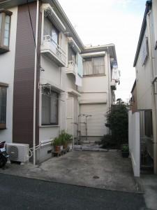 城南地区の賃貸併用住居の駐車場(住居兼アパート)
