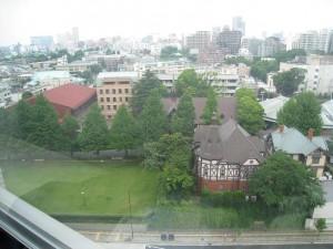 東京都港区高輪の高輪ザ・レジデンスからの眺め(明治学院大方面)