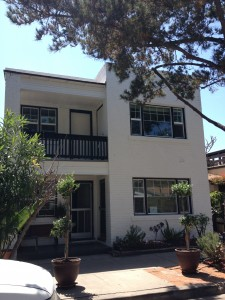 アメリカカリフォルニア州の一棟物アパート